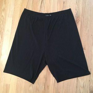 Boohoo black textured biker shorts 22